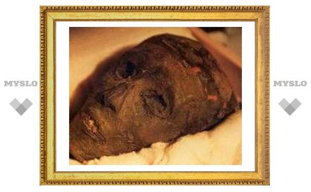 Мумию Тутанхамона впервые выставили на всеобщее обозрение