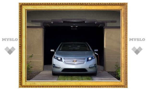 """В США гибрид Chevrolet Volt дважды признали """"Автомобилем года"""""""