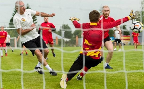 Руководители «Арсенала» сыграли в футбол с болельщиками