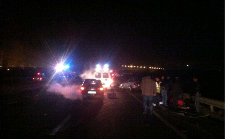 Ночью на дороге «Тула-Новомосковск» «Лада» влетела в дорожное ограждение