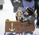 Пиратский корабль, военная техника и настоящая русская печь: в Туле прошел фестиваль наряженных саней