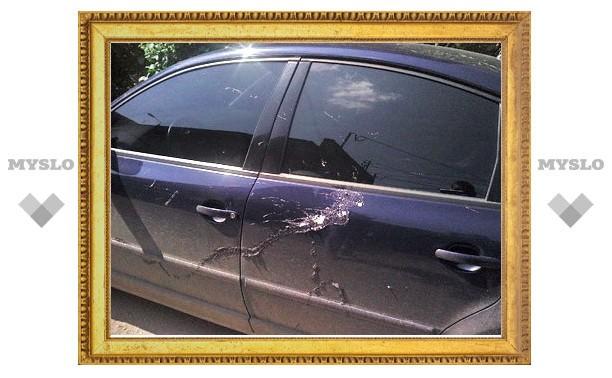 Злоумышленники облили кислотой более 20 автомобилей в Туле