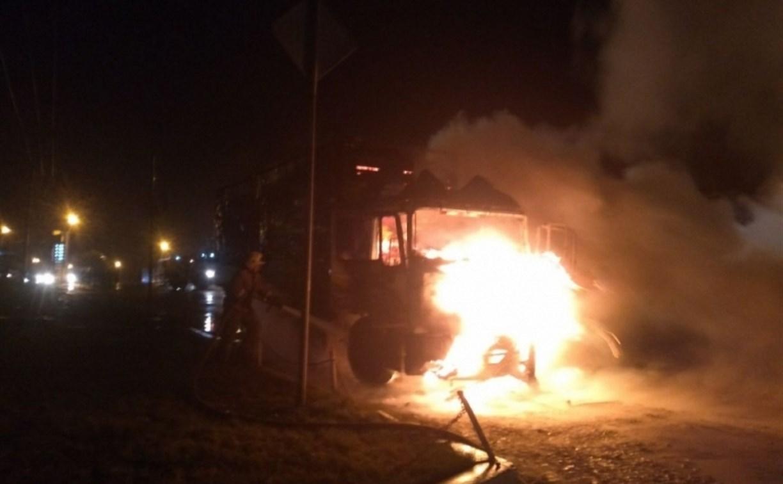 Под Тулой сгорел грузовой «МАН»: погиб мужчина