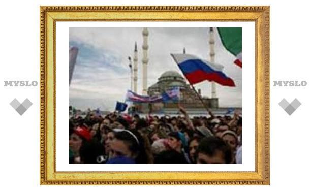 """Чеченскую молодежь записали в """"гвардию Путина"""""""