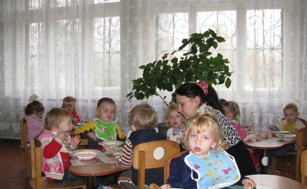 Владимир Груздев пообещал, что ясли в области закрывать не будут