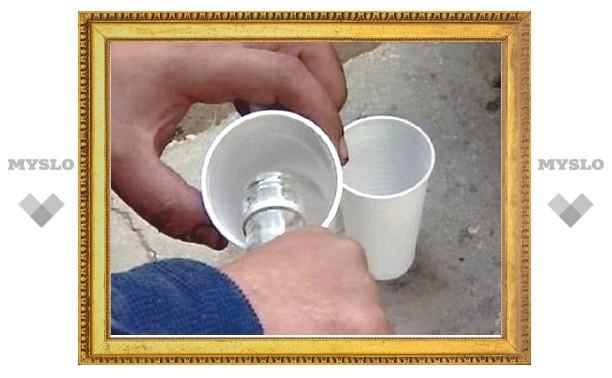 Туляков в кафе у рынка травили суррогатной водкой