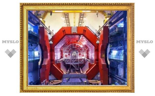 Первые после сбоя пучки прошли по кольцу Большого адронного коллайдера