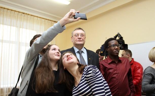 Сергей Харитонов предложил студентам побывать в Думе