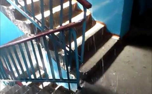 В Туле при пуске отопления многоквартирный дом залило кипятком