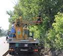 На Алексинском шоссе устанавливают новые опоры освещения