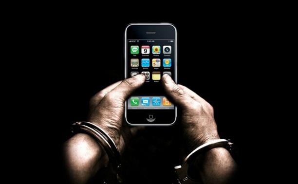 Должник выплатил алименты, не желая расставаться с новым смартфоном