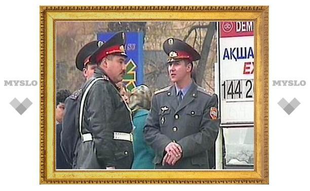 В Казахстане чиновник выкрал из поезда подгузники