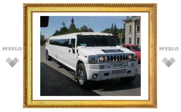 """12-метровый лимузин в центре Тулы и верблюд у """"белого дома"""""""