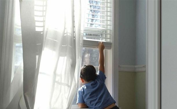 В Богородицке двое детей выпали из окна из-за недосмотра родителей