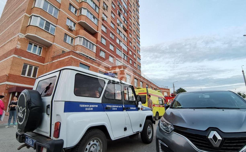 В Туле из окна 16 этажа выпала девушка