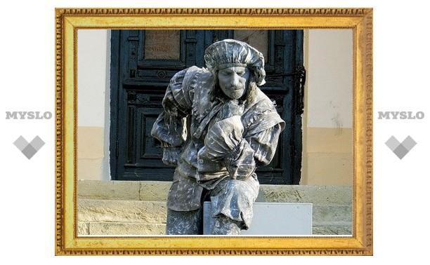В Туле ожил памятник художнику