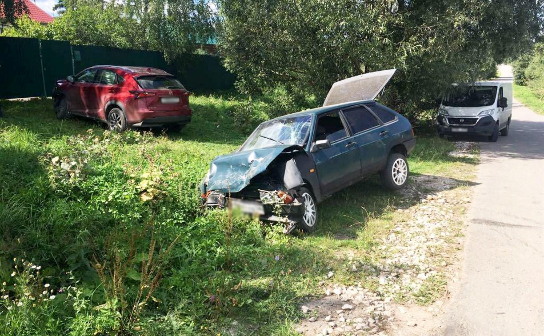 В Тульской области столкнулись ВАЗ и Lexus