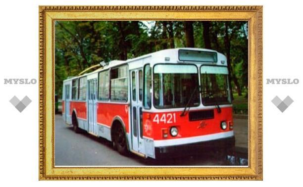 За падение в троллейбусе тулячка отсудила 10 000