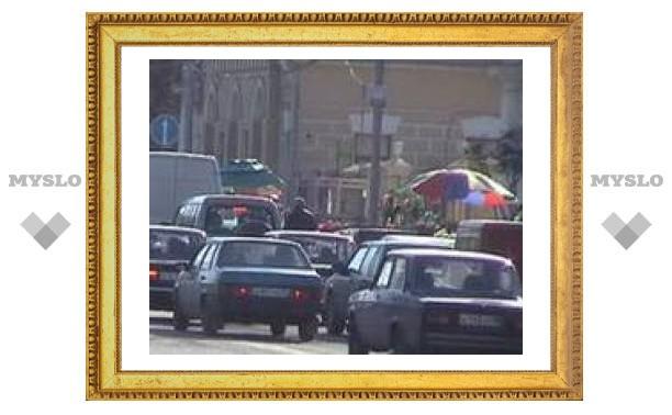 Затруднено движение по улице Макаренко
