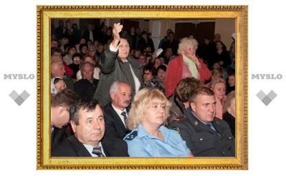 Жители Богородицка пожаловались Груздеву на власть, дороги и ЖКХ
