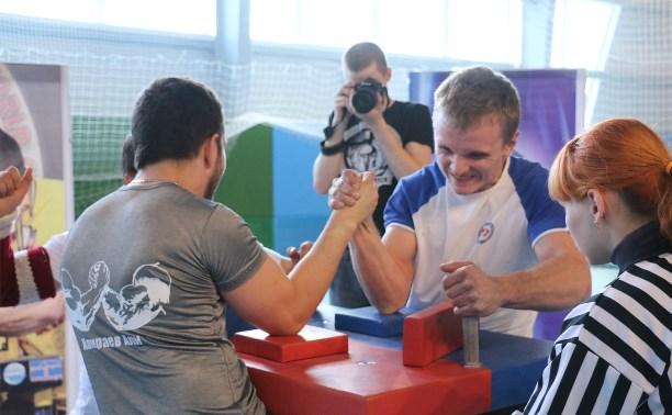 Тульские армрестлеры - победители чемпионата Калужской области