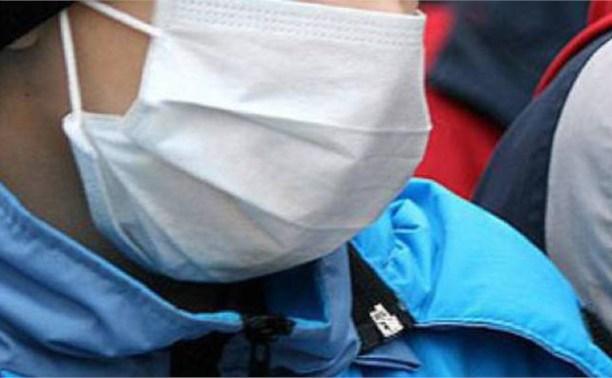 В Новомосковске мужчина в медицинской маске ограбил продуктовую палатку