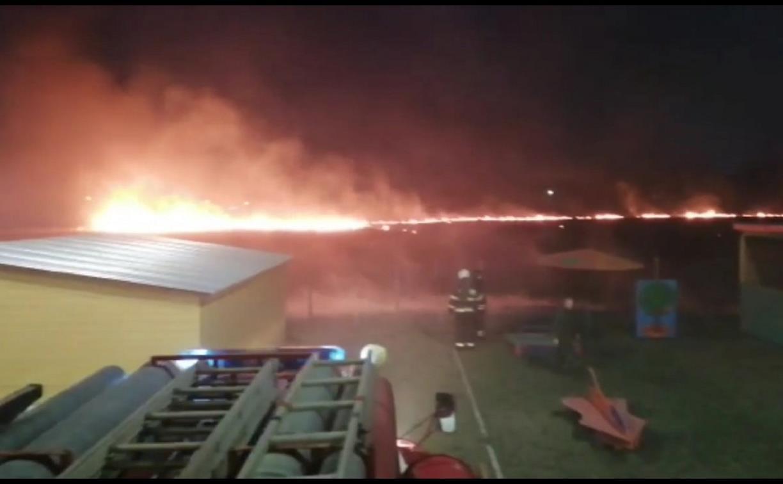 В Новомосковске пожарные спасли от огня детский сад