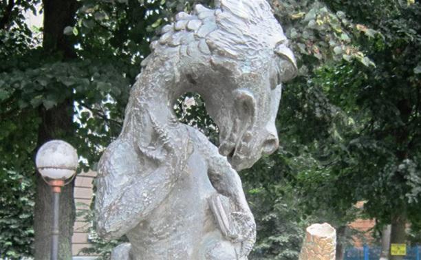 Тульскому памятнику Хвосту натерли хвост