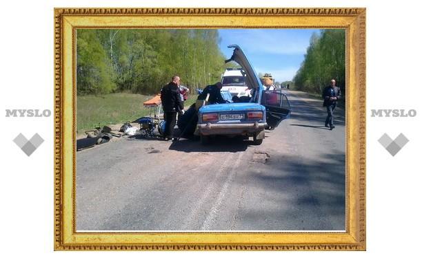 Под Тулой произошло лобовое столкновение двух авто