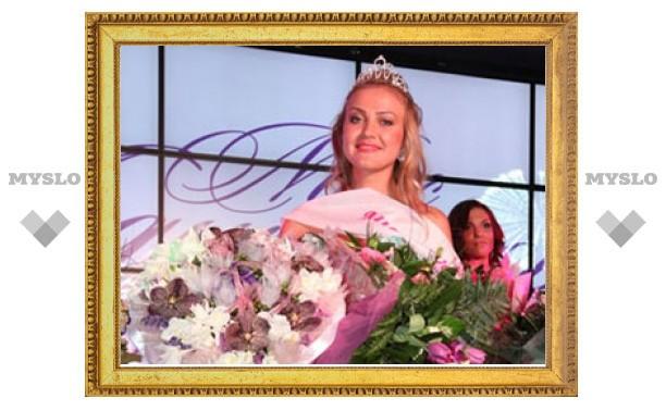 """В конкурсе «Мисс «Модный город» - Зима 2012"""" победила певица Аня"""