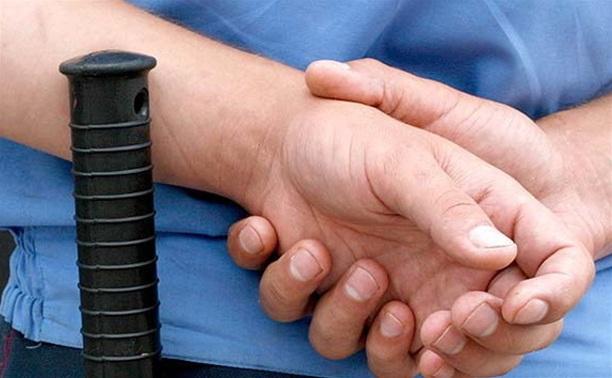 В Тульской области полицейский пытался передать в СИЗО партию наркотиков