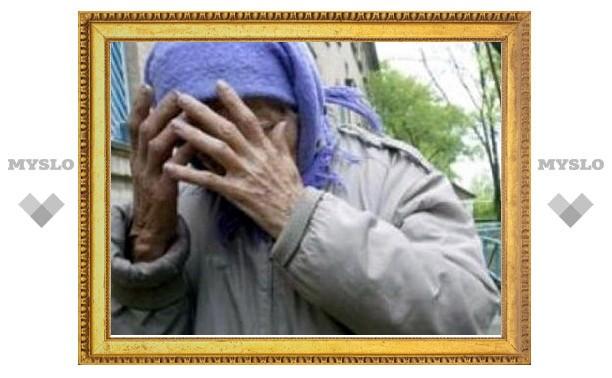В Тульской области извращенец изнасиловал пожилую женщину на ее огороде