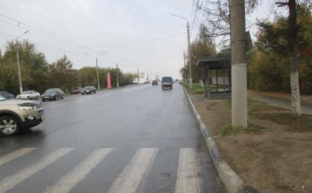 На Демидовской плотине мужчина сбил женщину, которая пыталась сесть в трамвай