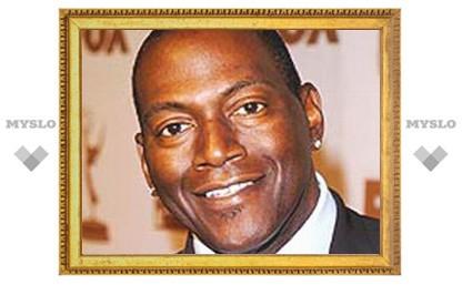 Брат Джексона возмущен, что церемонию похорон певца показали по ТВ