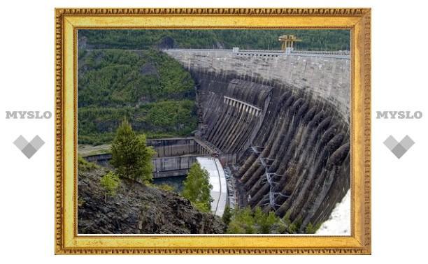 Медведев уволил ответственного за восстановление Саяно-Шушенской ГЭС