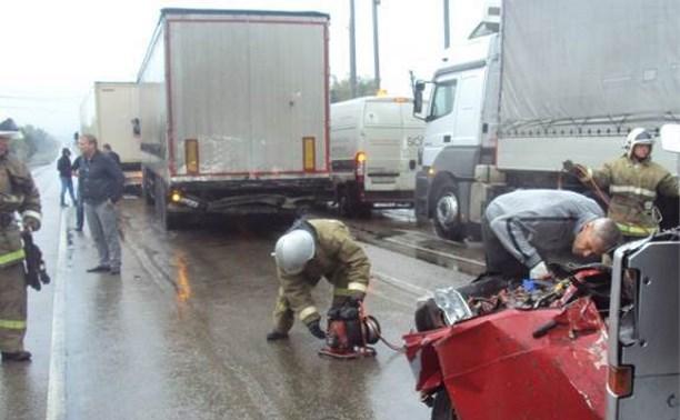 В крупном ДТП в Ефремовском районе погибли двое мужчин и ребенок