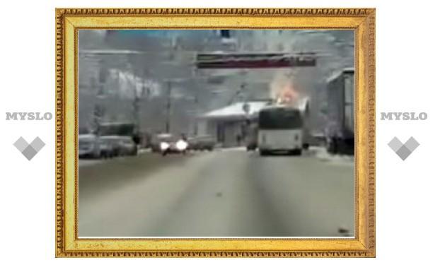 В Туле загорелся троллейбус