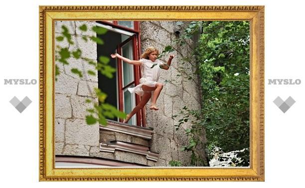 В Щекине школьница выбросилась из окна