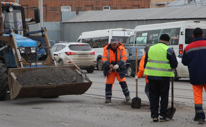 Дмитрий Миляев поручил отремонтировать улицу Путейскую до 18 апреля