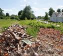 На ул. Щекинской в Туле строительный мусор лежит уже три месяца. И свалка растет!