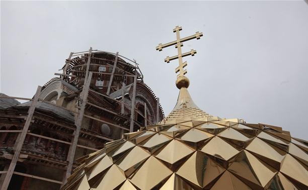 На строящийся в Мясново храм воздвигли купол и крест