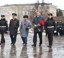 Алексей Дюмин возложил цветы к памятнику на площади Победы в Туле