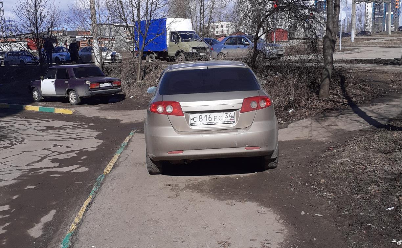 «Накажи автохама»: водителю с ул. Бондаренко выписали штраф