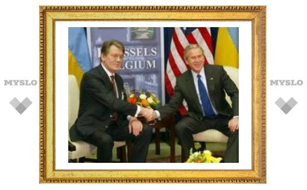 На вступление Украины в НАТО Россия ответит введением визового режима