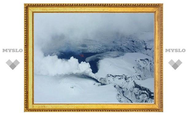 Исландский вулкан задержал в дороге более 30 тысяч россиян
