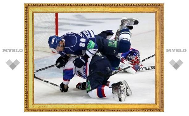 """Хоккеисты """"Амура"""" и """"Сибири"""" получили удаления после матча"""