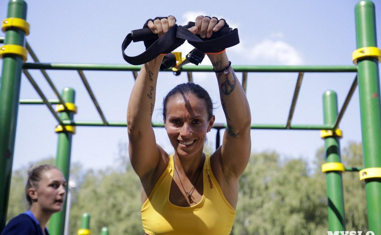 Волейболистки «Тулицы» готовятся к сезону в Центральном парке: фоторепортаж
