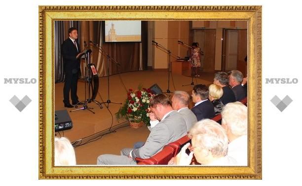 Владимир Груздев поздравил строителей с профессиональным праздником