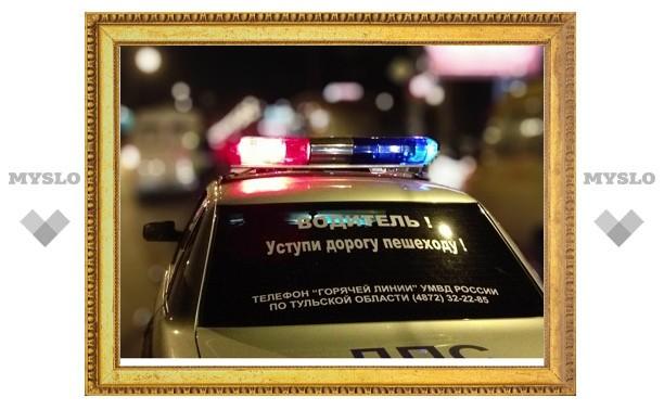 В Тульской области грузовик протаранил автомобиль с тремя полицейскими