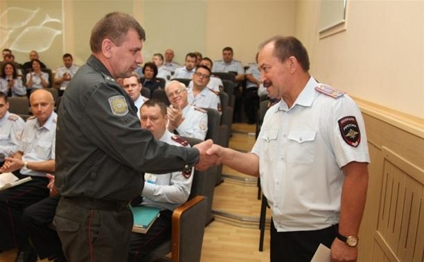 Сергей Галкин наградил полицейских, поймавших серийного поджигателя авто